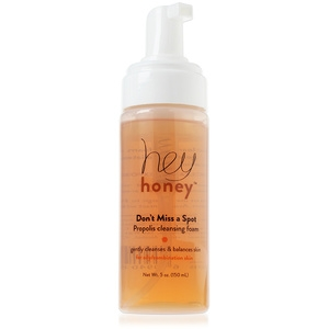 Don't Miss a Spot Propolis Cleansing Foam for Oily and Combination Skin by Hey Honey