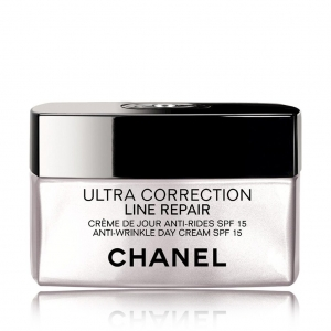 Ultra Correction Line Repair Anti-Wrinkle Day Fluid SPF 15 by Chanel