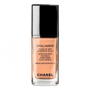 Vitalumière Moisture-Rich Radiance Sunscreen Fluid Makeup by Chanel